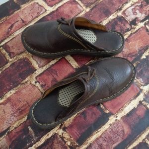 BORN Womans Brown Leather Comfort Clogs 7M